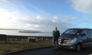 David with Tour Bus - photo: Orkney Tailor-Made Tours